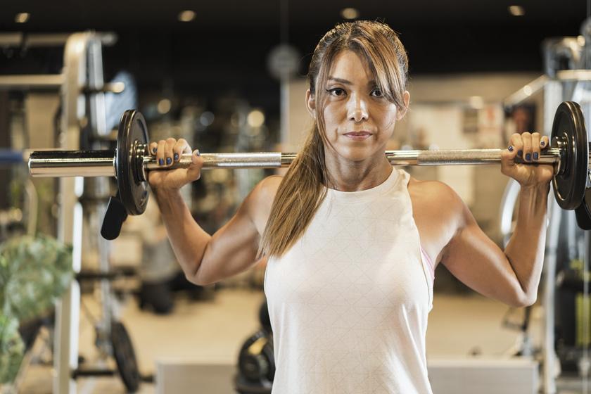 Hogyan kell fogyni a súlyzókkal és súlyzó férfiak