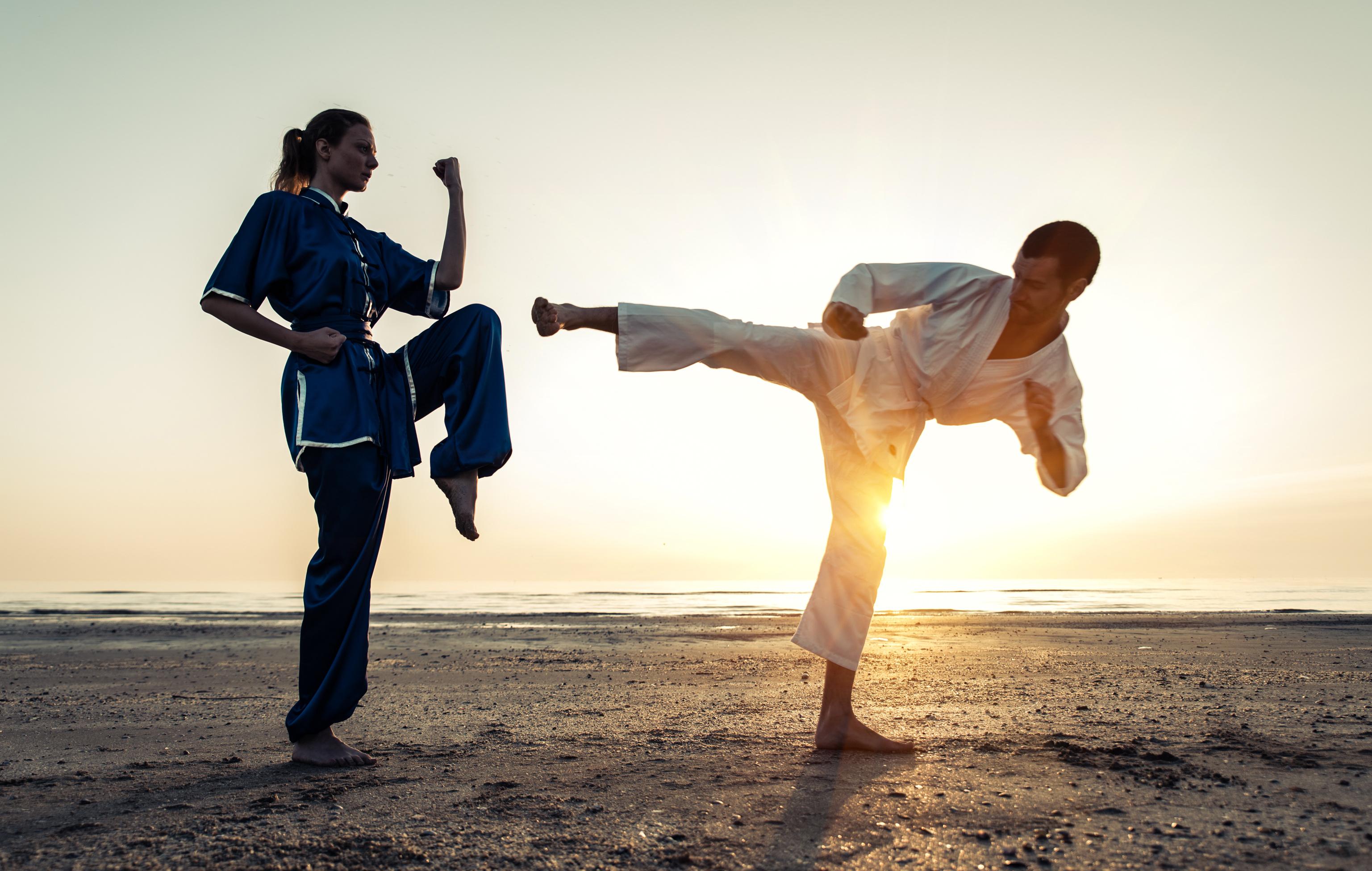 a harcművészetek előnyei a fogyáshoz)
