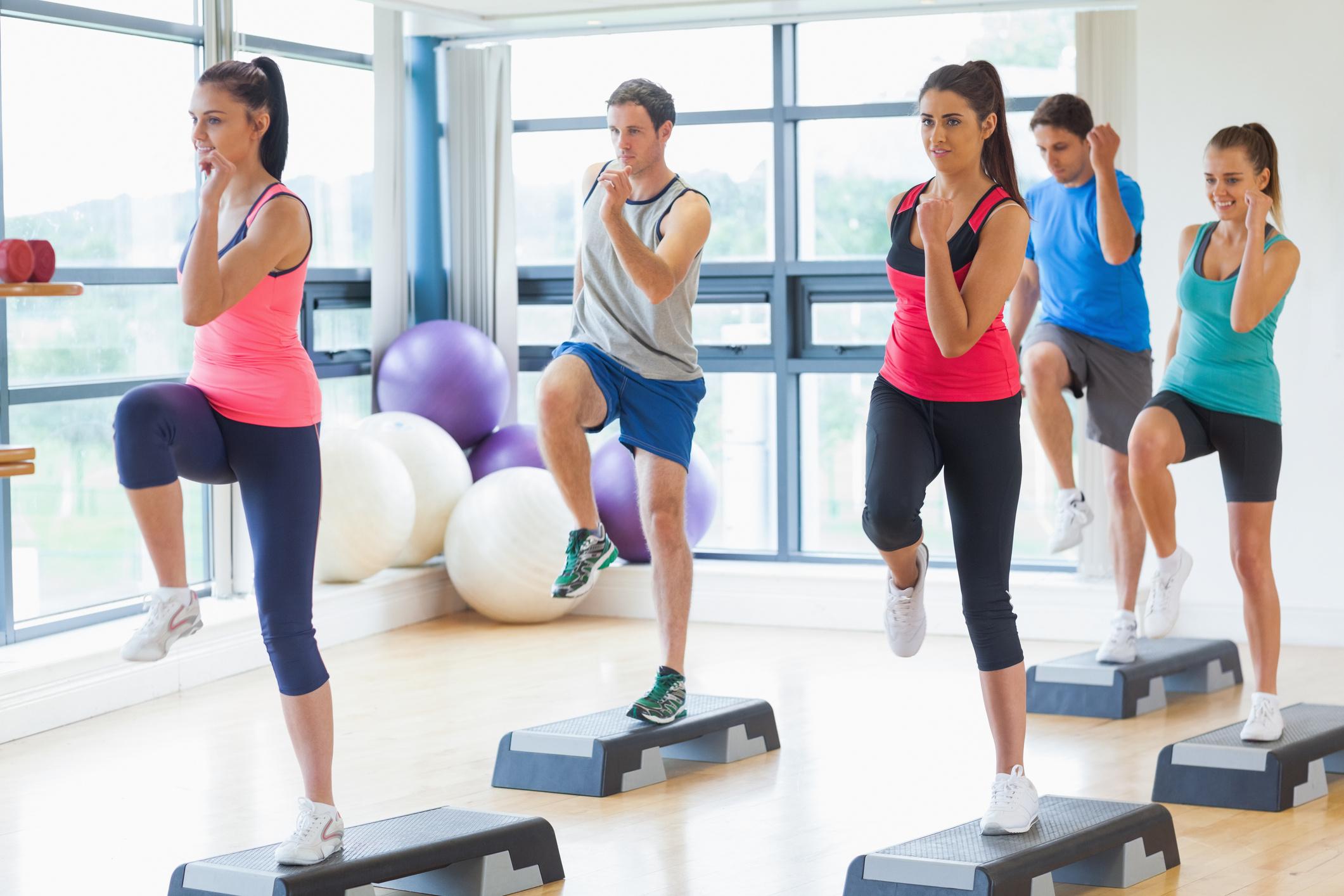 A laza mozgás jó a fogyáshoz, Lehet-e fogyni napi perc mozgással? – Teszteltük | nlc
