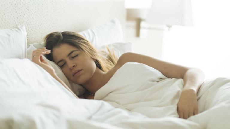 a késői alvás segít a fogyásban
