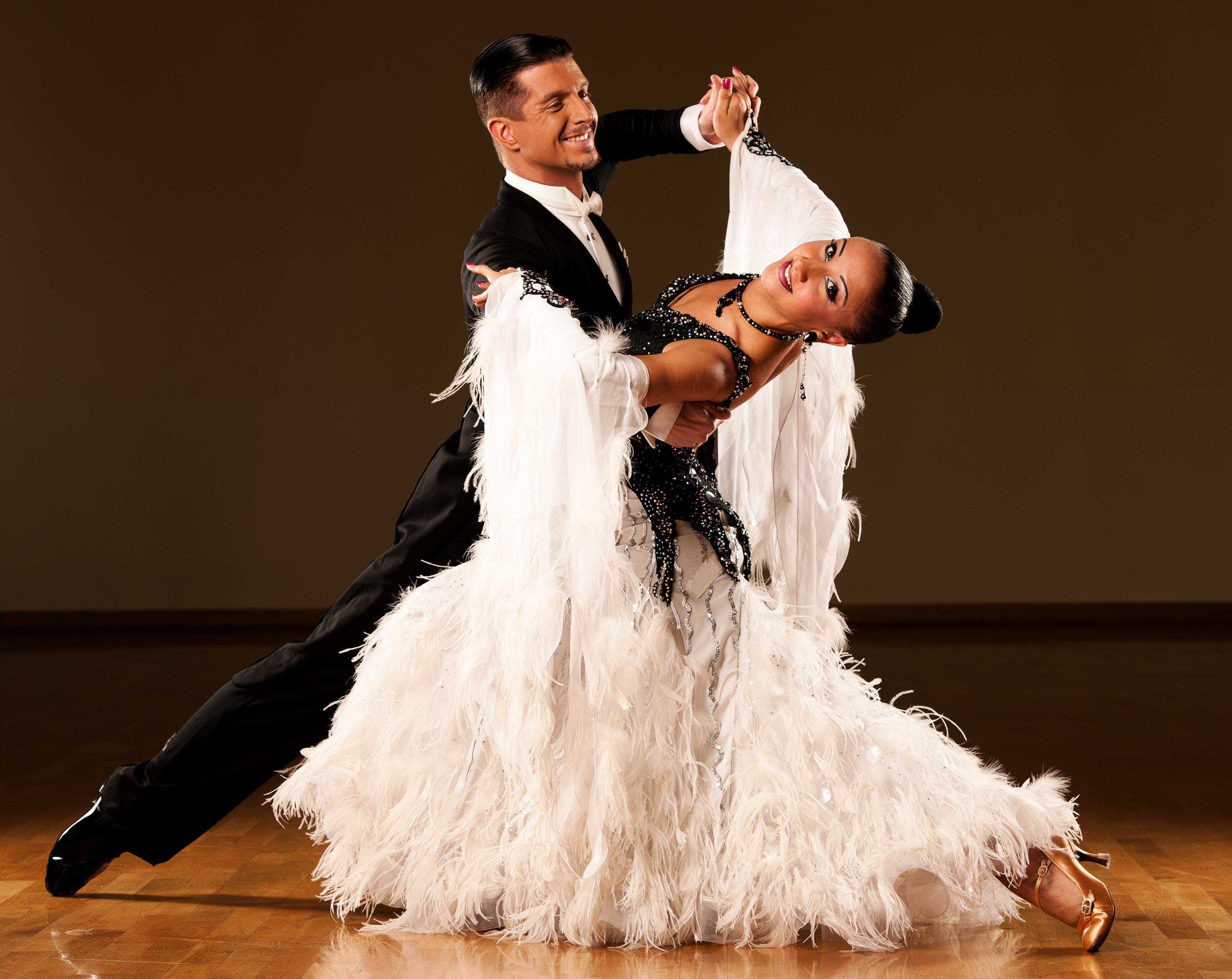 Durván sok kalóriát égetnek el: ez a 10 tánc a legjobb a fogyáshoz - Fogyókúra   Femina