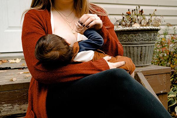 szoptatás 6 hónap után fogy)