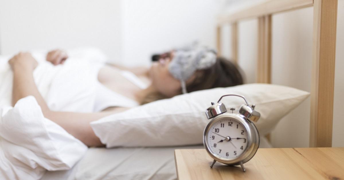 égethet-e teste zsírokat alvás közben?)